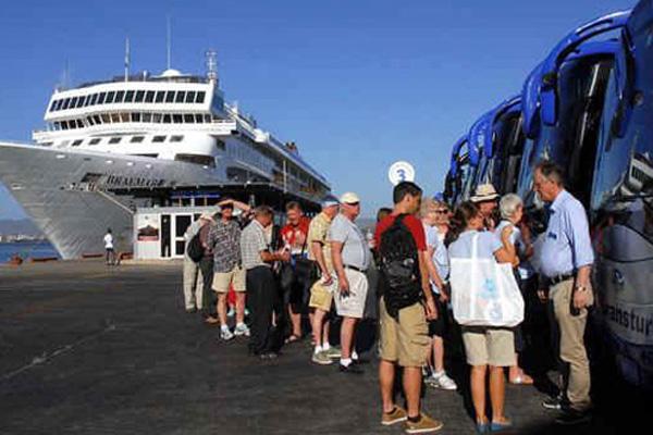 Crece arribo de visitantes internacionales a Cuba
