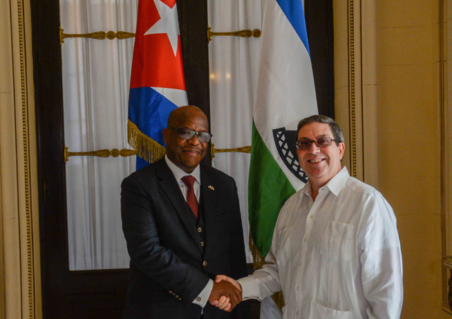 Canciller cubano dialogó con su homólogo del Reino de Lesotho