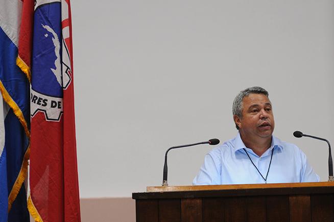 Cuba trabaja en una reforma salarial general