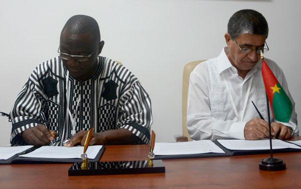 Condena Ministro de Deportes de Burkina Faso bloqueo contra Cuba