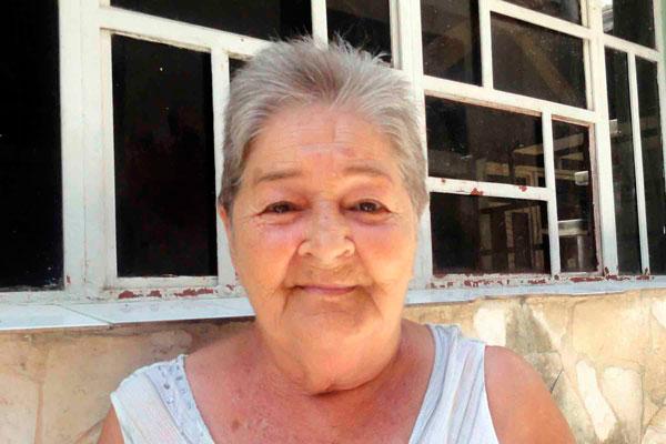 Edunia Pérez Jiménez, afirma que la mirada de Camilo era transparente, y lo recuerda natural y compartidor, cuando aquel 25 de julio de 1959 les preguntó si entendían la Revolución, en Matanzas, Cuba, 26 de octubre de 2018. ACN FOTO/ Yenli LEMUS DOMÍNGUEZ