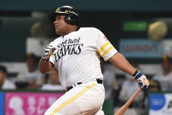 Cuban Despaigne homers twice, leads Softbank to Pacific League final