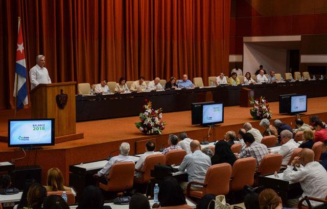 Díaz-Canel señala prioridades de la Industria Biofarmacéutica cubana