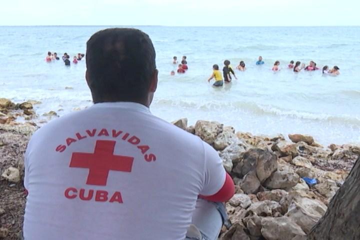 Impartirán en Cuba curso de formación de salvavidas