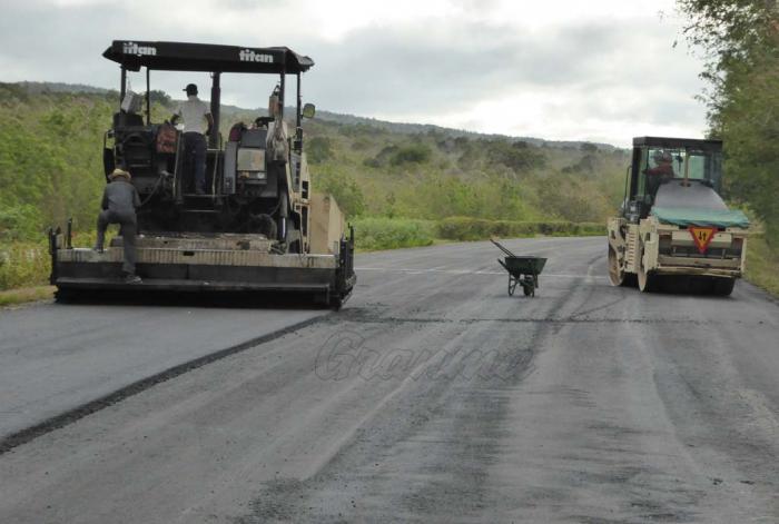 Destinan unas 100 mil toneladas de asfalto para reparar la Autopista Nacional
