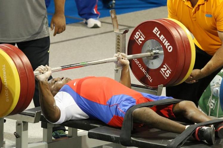 Pesista cubano conquista medalla de bronce en Juegos Parapanamericanos