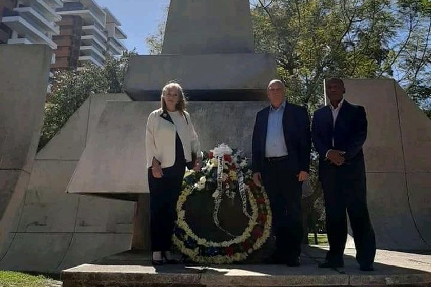 Viceprimer ministro cubano rinde homenaje a Martí en Guatemala