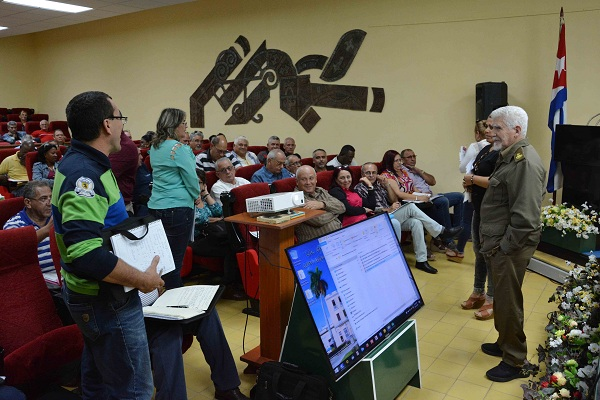 Chequea Ramiro Valdés en Camagüey programas socioeconómicos prioritarios