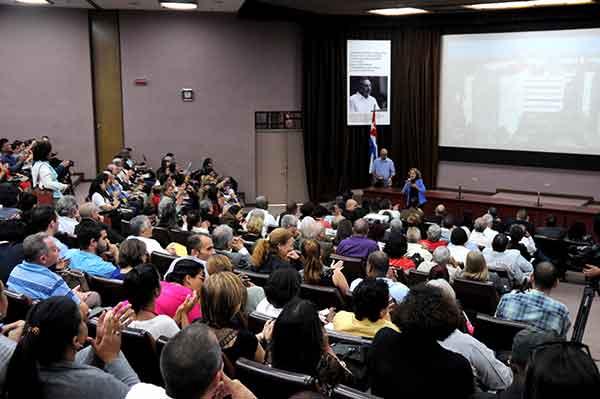 Acto por el Día de la Ciencia cubana, realizado en el Centro de Ingeniería Genética y Biotecnología (CIGB), en La Habana, Cuba, el 15 de enero de 2018.
