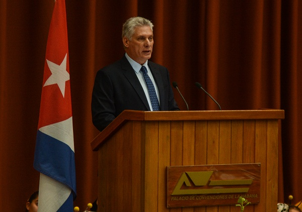 Cuban president says a better world is possible through education