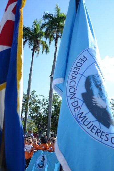 Avileñas que participarán en el X Congreso de la Federación de Mujeres Cubanas, en el acto de abanderamiento celebrado en el parque José Martí, en la ciudad de Ciego de Ávila, Cuba, el 18 de febrero de 2019.