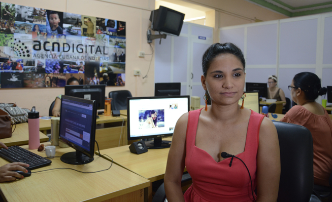 En la redacción web de la Agencia Cubana de Noticias se encuentra la cantante Annie Garcés Santana, una de las jóvenes intérpretes cubanas con mayor proyección durante los últimos años en entrevista on line.