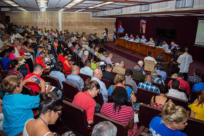 Con llamado a incrementar la eficiencia concluyó visita gubernamental a Pinar del Río