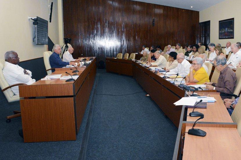 Debatió Consejo de Ministros temas medulares de la economía en Cuba