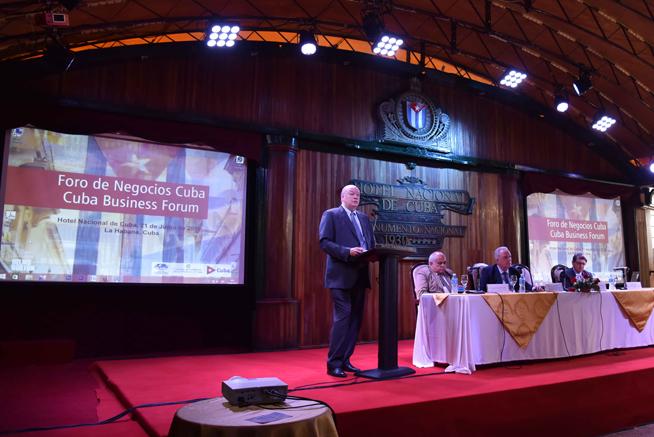 Rodrigo Malmierca, ministro del Comercio Exterior y la Inversión Extranjera de la República de Cuba, interviene en la inauguración del Foro de Negocios sobre inversión extranjera, con sede en el Hotel Nacional, en La Habana, el 21 de junio de 2019.