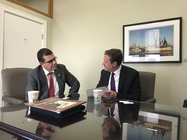 Ciudad de Tampa pide a Trump revertir restricciones de viajes a Cuba