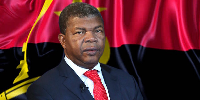 President of the Republic of Angola arrives in Havana