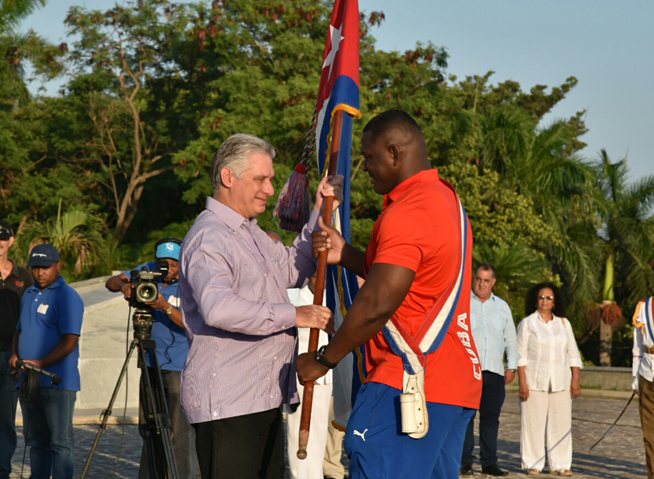 Abanderó Díaz-Canel delegación cubana a Juegos Panamericanos de Lima (+ Fotos)