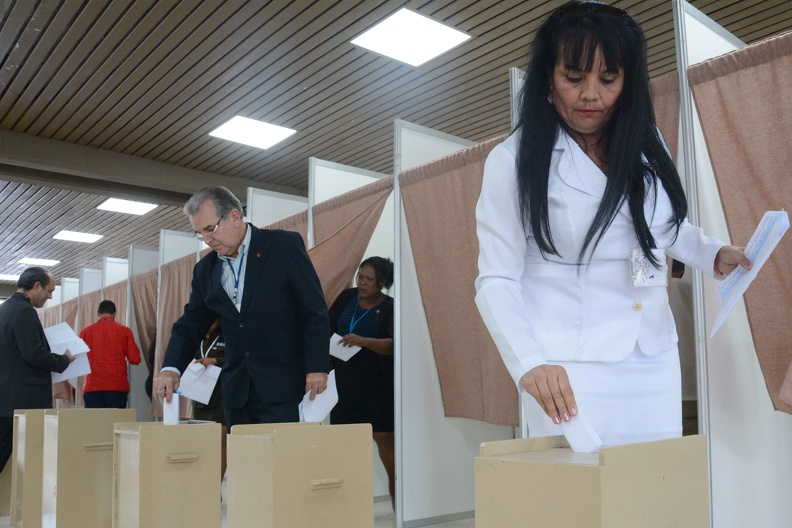 0713-asamblea-votacion-comision-electoral.jpg