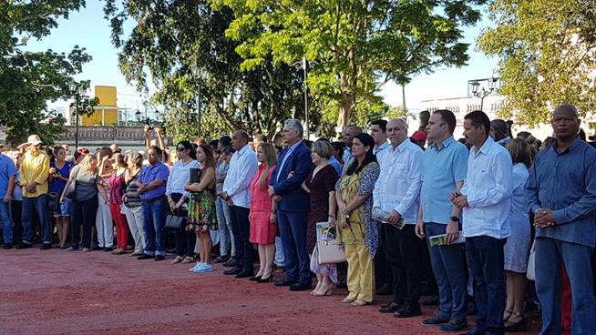 Asiste presidente cubano a celebración por el Aniversario 330 de Santa Clara