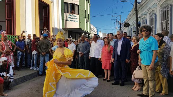 Le Président cubain assiste à la célébration dédiée à l'anniversaire 330 de Santa Clara