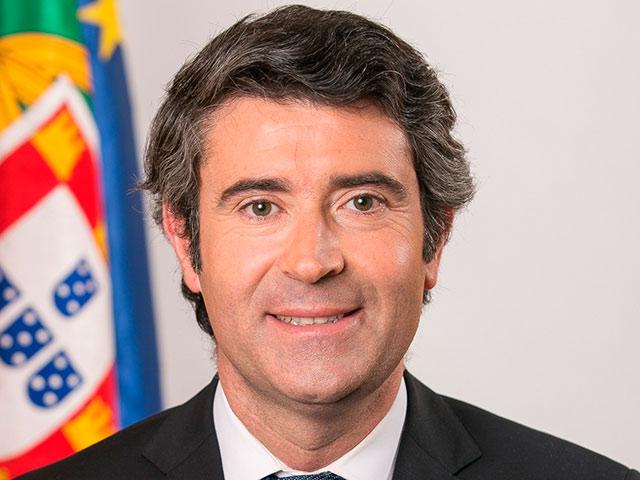 Le Secrétaire d'État aux Communautés portugaises arrive aujourd'hui à Cuba