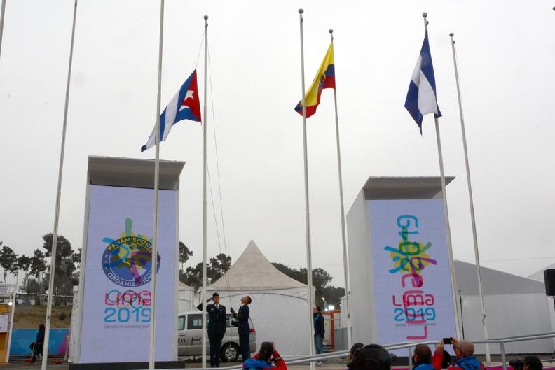 Ya ondea en Lima la bandera cubana
