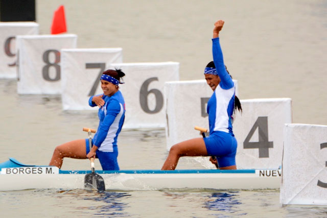 Duplas cubanas se acercan a medallas en Campeonato Mundial de Canotaje