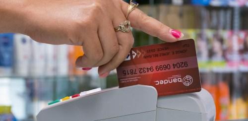 BANDEC en Camagüey bonifica uso de tarjetas magnéticas por el 14 de febrero (+ Post)