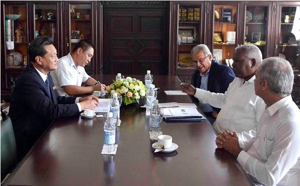 Intercambió Esteban Lazo con embajadores de la RPD de Corea, Namibia y Gambia (+Fotos)