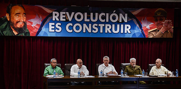 Preside Miguel Díaz-Canel Bermúdez, Presidente de los Consejos de Estado y de Ministros (CEM), la Asamblea de Balance del Ministerio de la Construcción (MICONS), en la sede del MICONS, en La Habana, el 18 de marzo de 2019. ACN FOTO/ Marcelino VÁZQUEZ HERNÁNDEZ