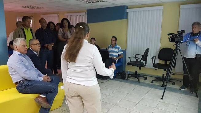 Le président Díaz-Canel dirige