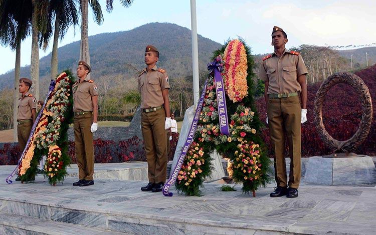 Ofrendas florales de Raúl y Díaz-Canel a combatientes del II Frente Oriental