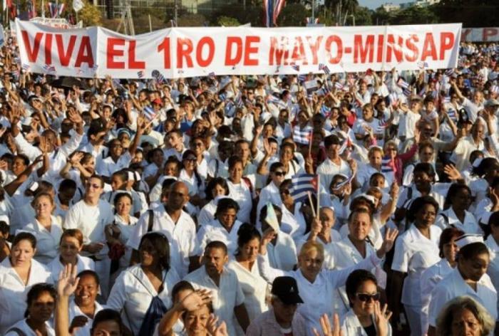 Motivos para un desfile proletario, cuando se cuida la salud del pueblo