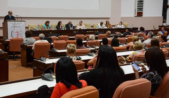Destaca Cuba en la formación de tecnólogos de la Salud
