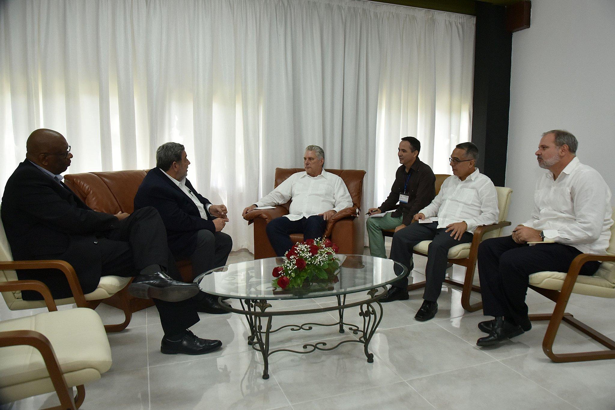 Recibió Presidente cubano a líderes de izquierda participantes en encuentro de solidaridad