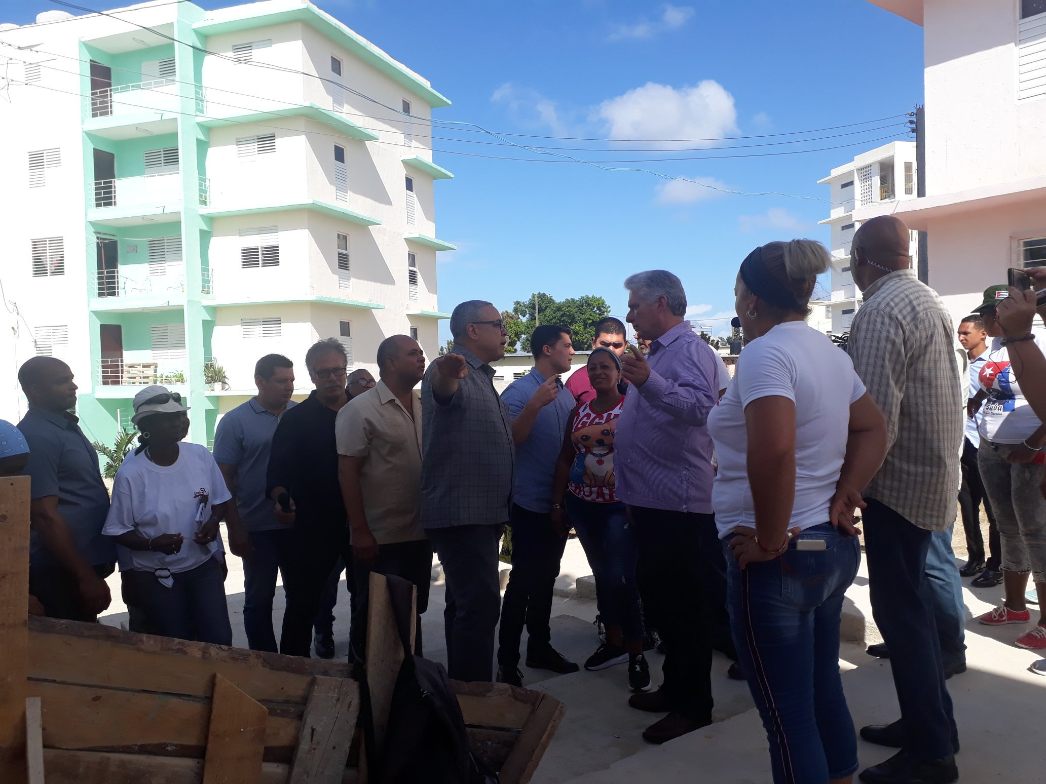 Diaz-Canel presided over ceremony of housing delivery to families affected by the tornado in Havana