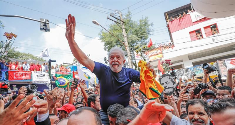 Le Président cubain célèbre la liberté de Lula da Silva (+Photos et Vidéo)