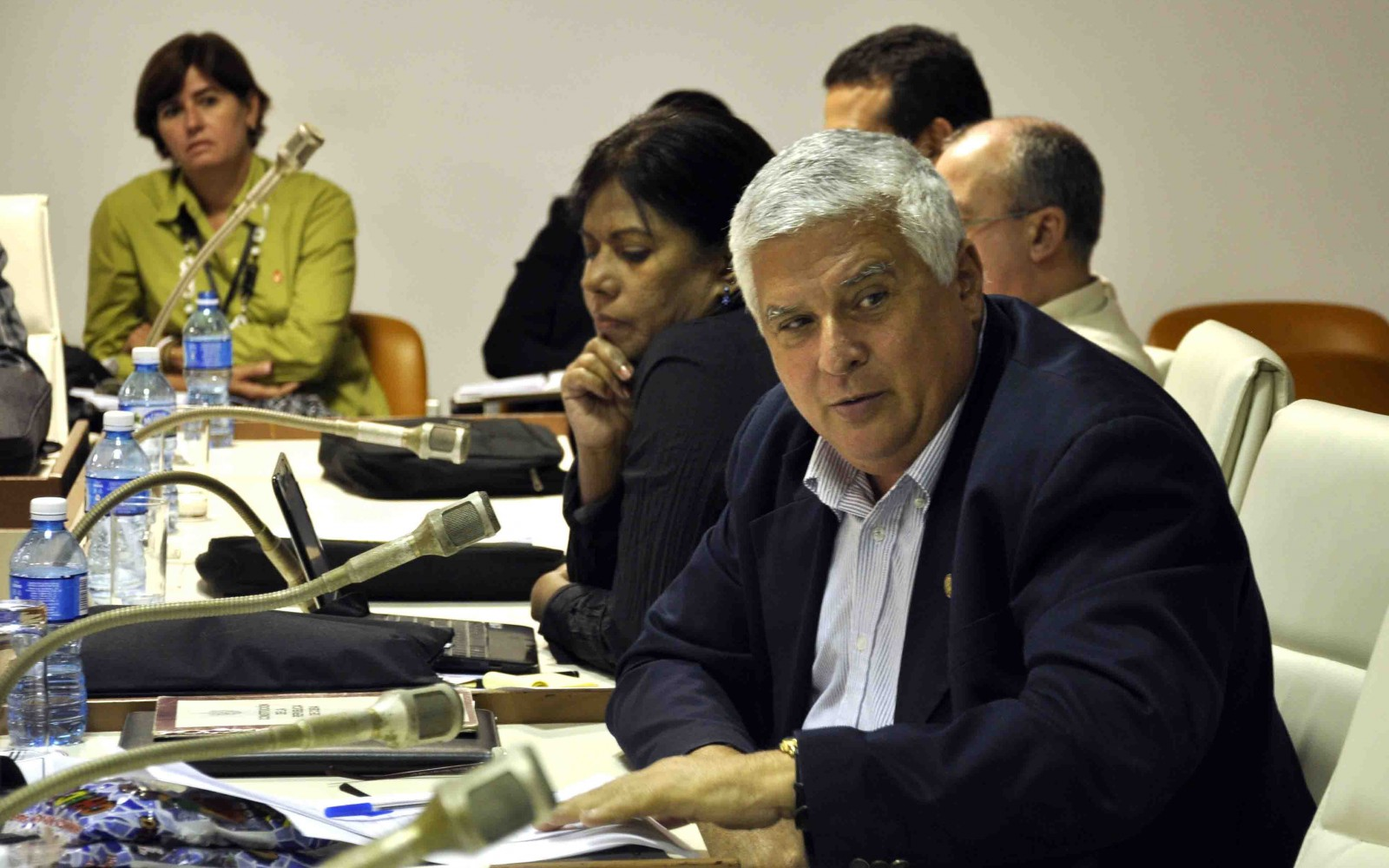 Diputados cubanos analizan anteproyectos de leyes