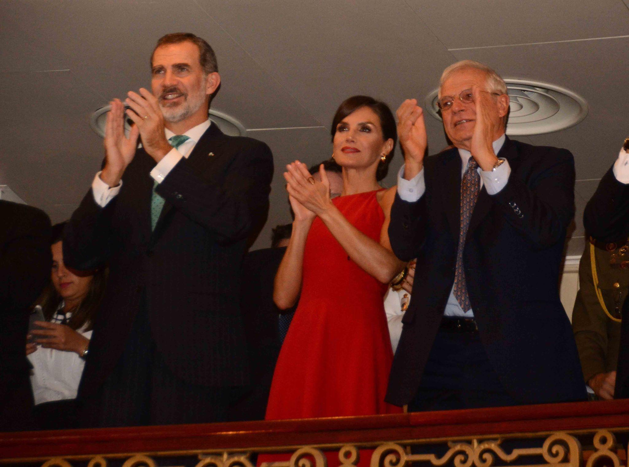 Les rois d'Espagne ont assisté à un spectacle de dance en leur honneur