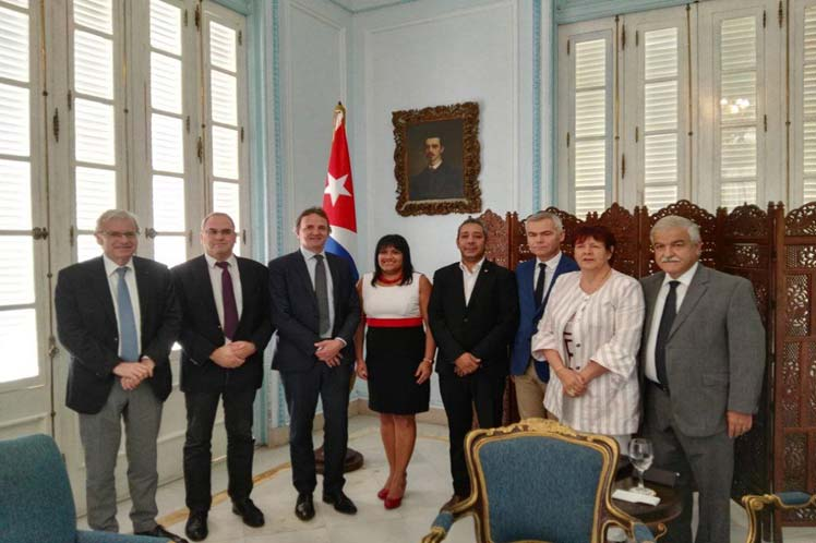 Cuban deputy FM receives French parliamentary group