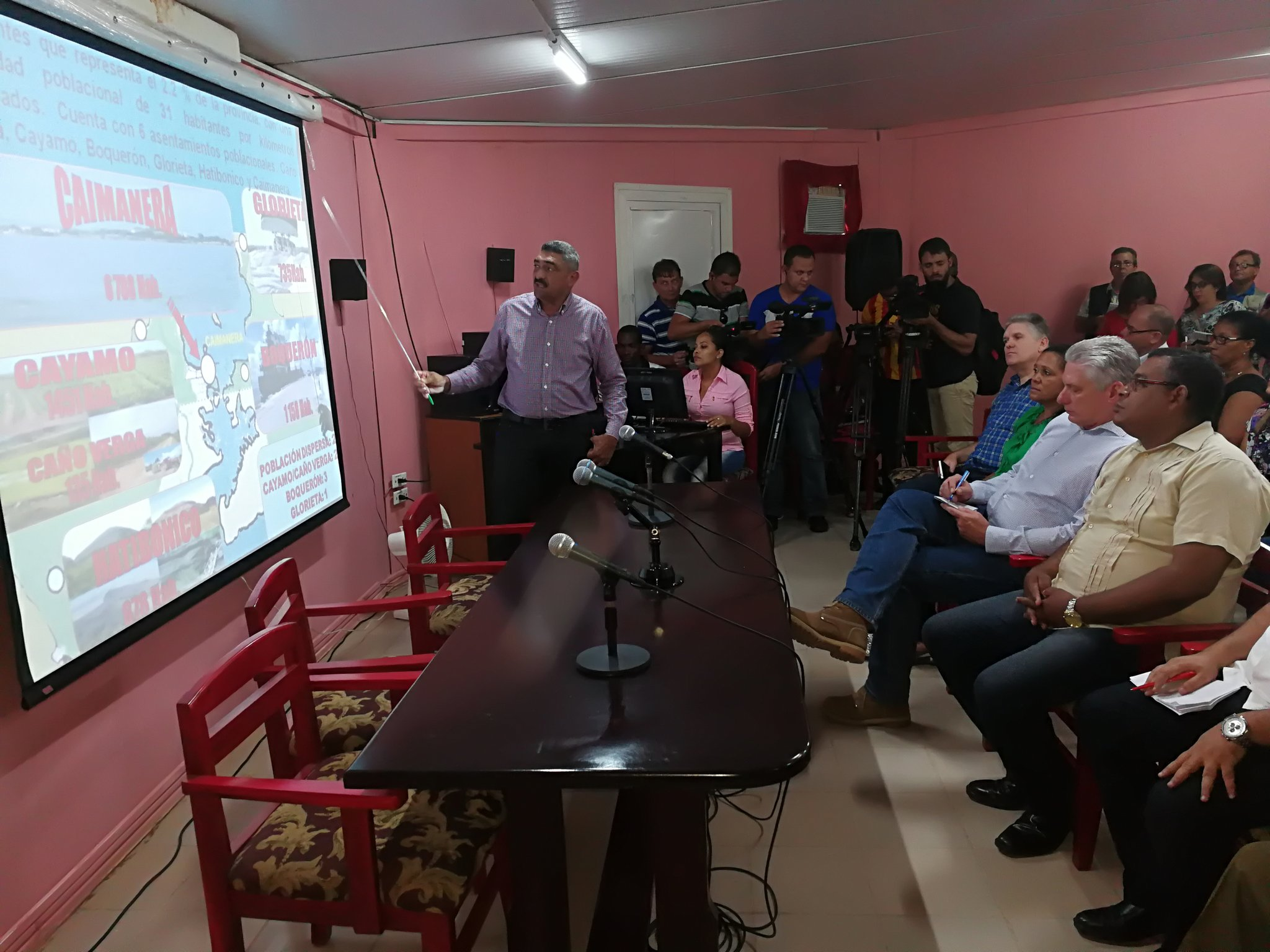 Diaz-Canel dirige une visite gouvernementale dans la province de Guantanamo
