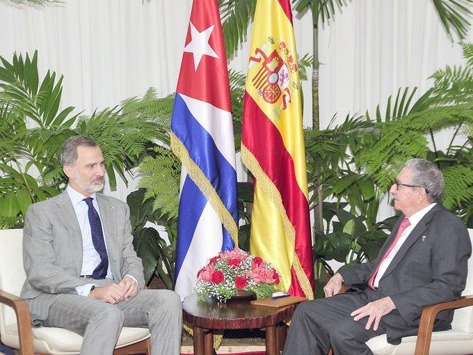 Le roi d'Espagne a rendu une visite de courtoisie à Raúl