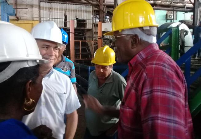 Le vice-président cubain souligne la nécessité d'une efficiente fabrication du sucre