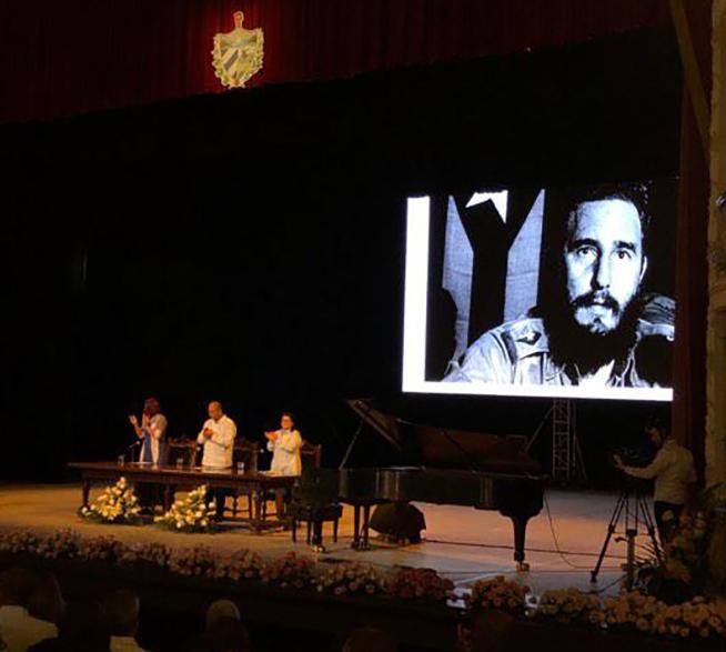 Rememoran a Fidel Castro en sesión solemne de Asamblea de Gobierno en La Habana