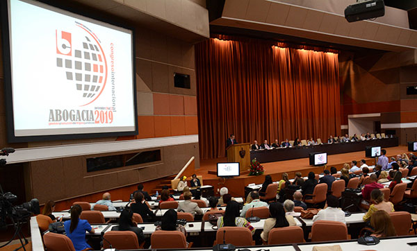 Attendees to the Congress Abogacia 2019 denounce the impact of US blockade on Cuba