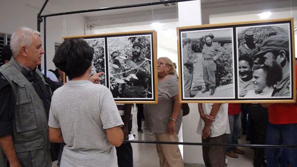 Imágenes inéditas de Fidel en exposición abierta en la Universidad de Oriente