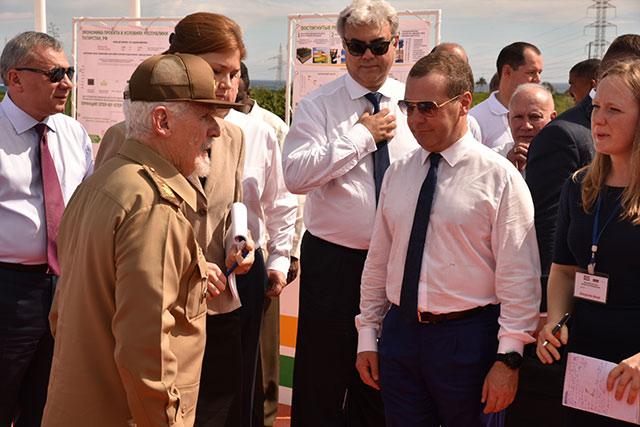 Visitó Dmitri Medvedev instalaciones de proyecto cubano-ruso en el sector energético