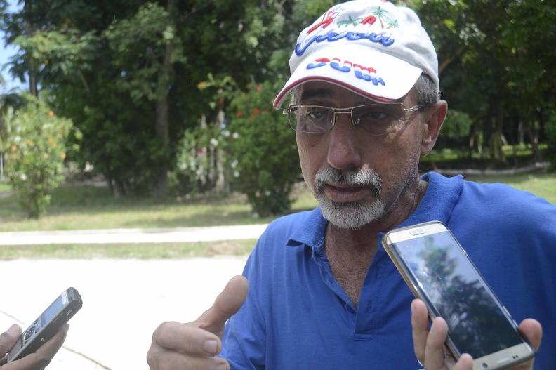 Lázaro Rivera Hernández, director del Parque Metropolitano, ofrece declaraciones a la prensa, en La Habana, Cuba, el 6 de octubre de 2019.