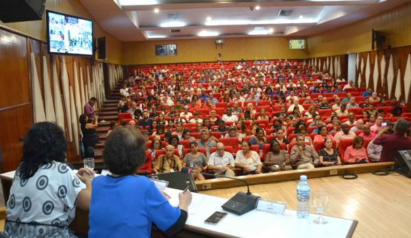 Audiencia Pública convocada por la Comisión parlamentaria de Atención a los Servicios del Parlamento cubano, para denunciar los perjuicios sobre los efectos del bloqueo de los Estados Unidos contra Cuba en el sector de las Comunicaciones, efectuado en la sede del Ministro de Comunicaciones, en La Habana, el 7 de octubre de 2019. ACN FOTO/Modesto GUTIÉRREZ CABO
